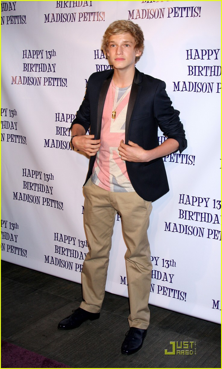 madison pettis cody simpson bday 04