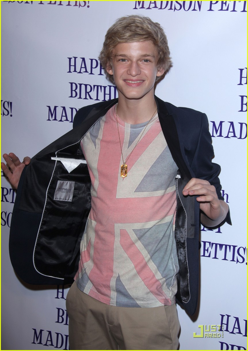 madison pettis cody simpson bday 06