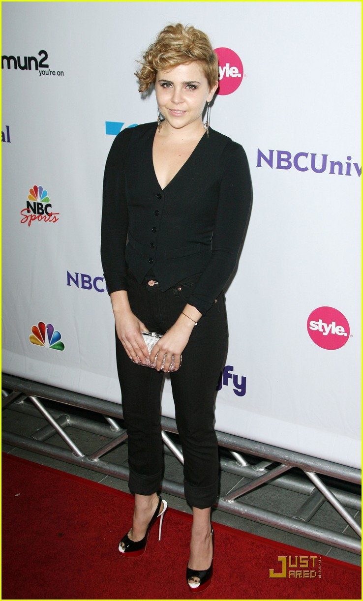 mae whitman nbc party 09