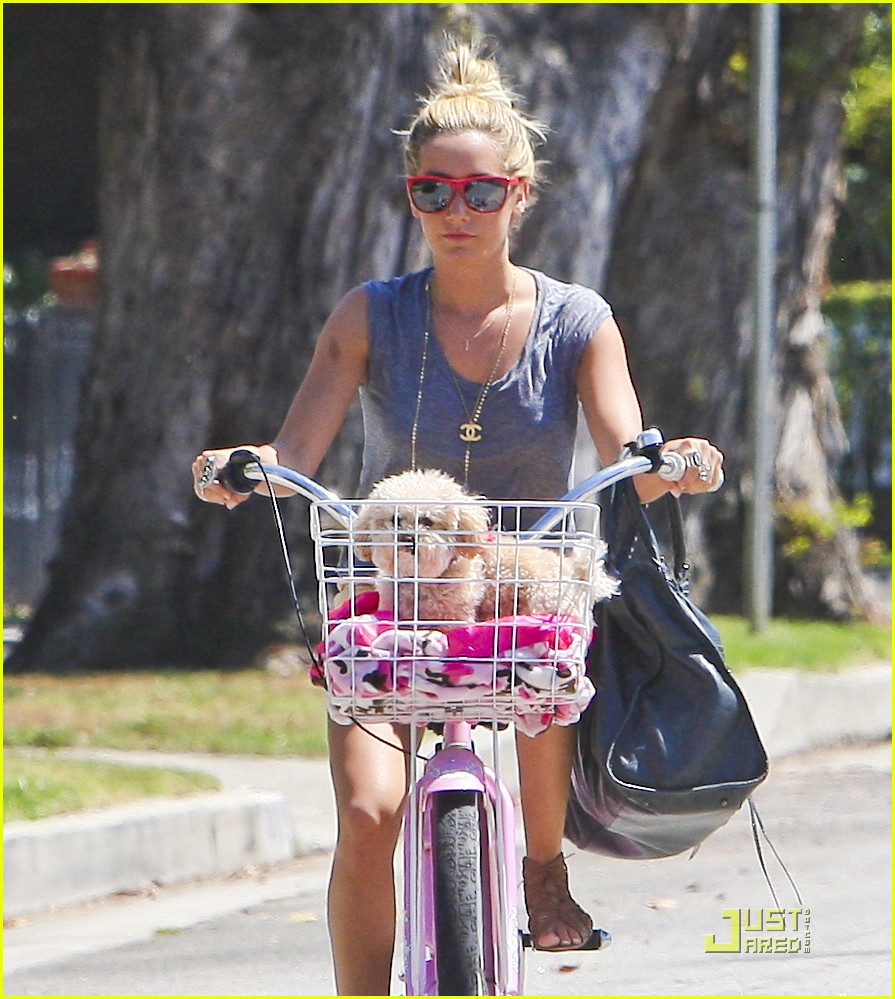 ashley tisdale bike maui 06