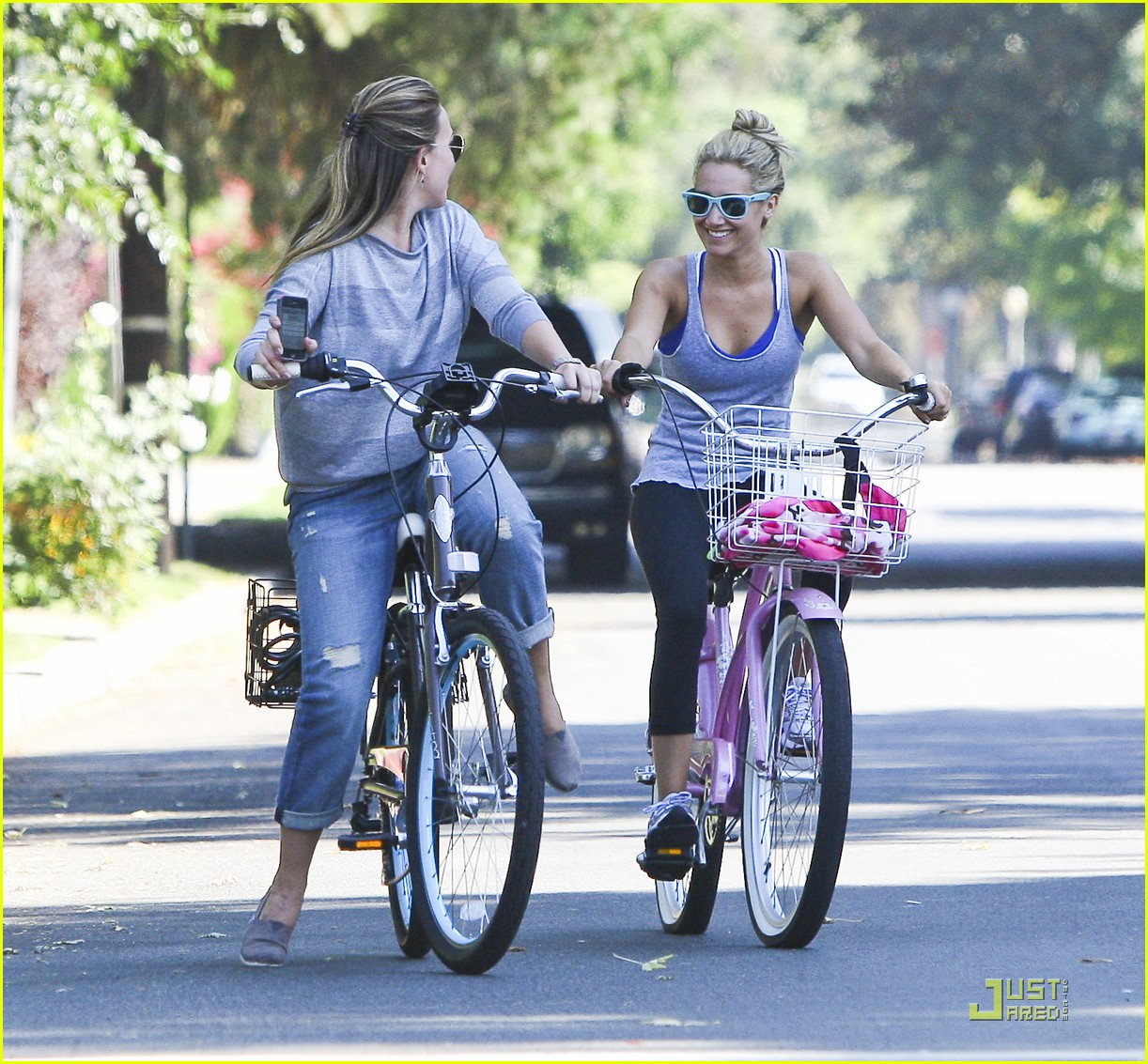 ashley tisdale haylie duff bikes 10