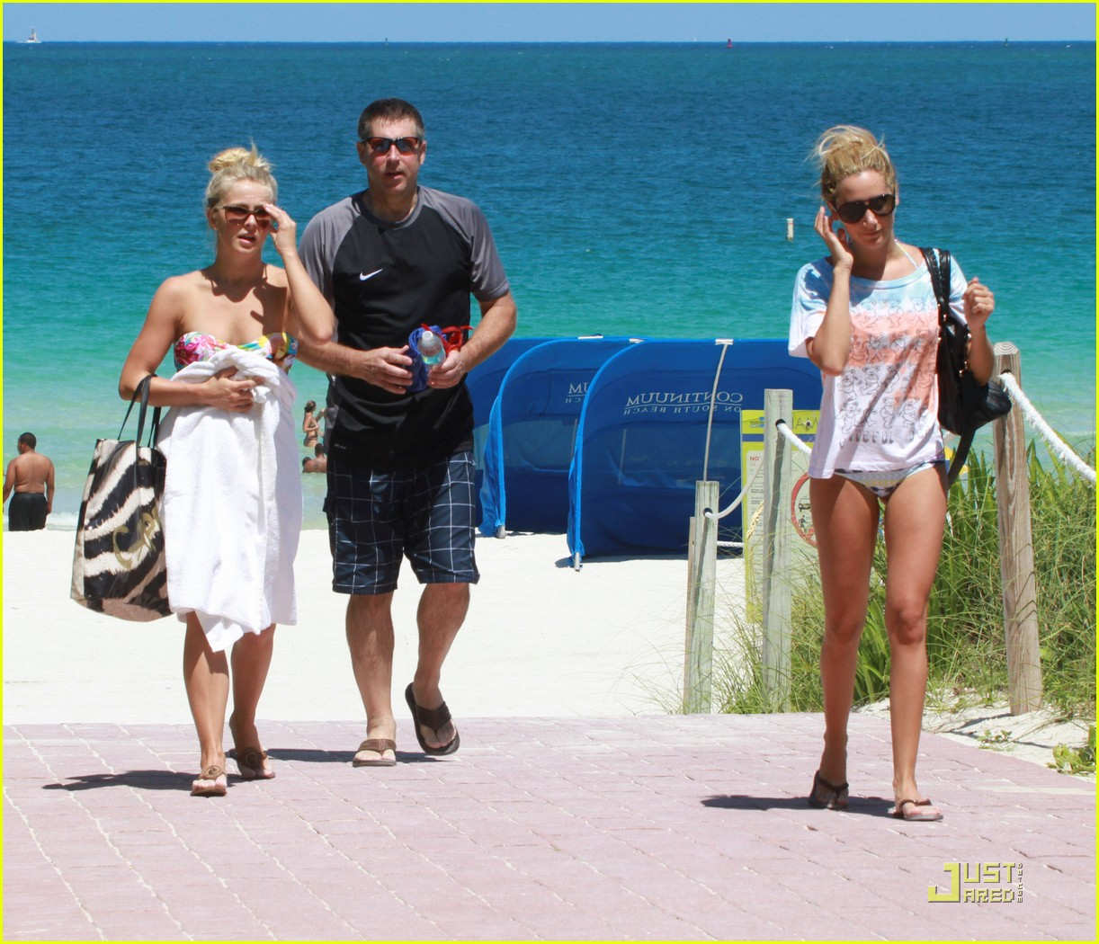 ashley tisdale julianne hough miami beach babes 21