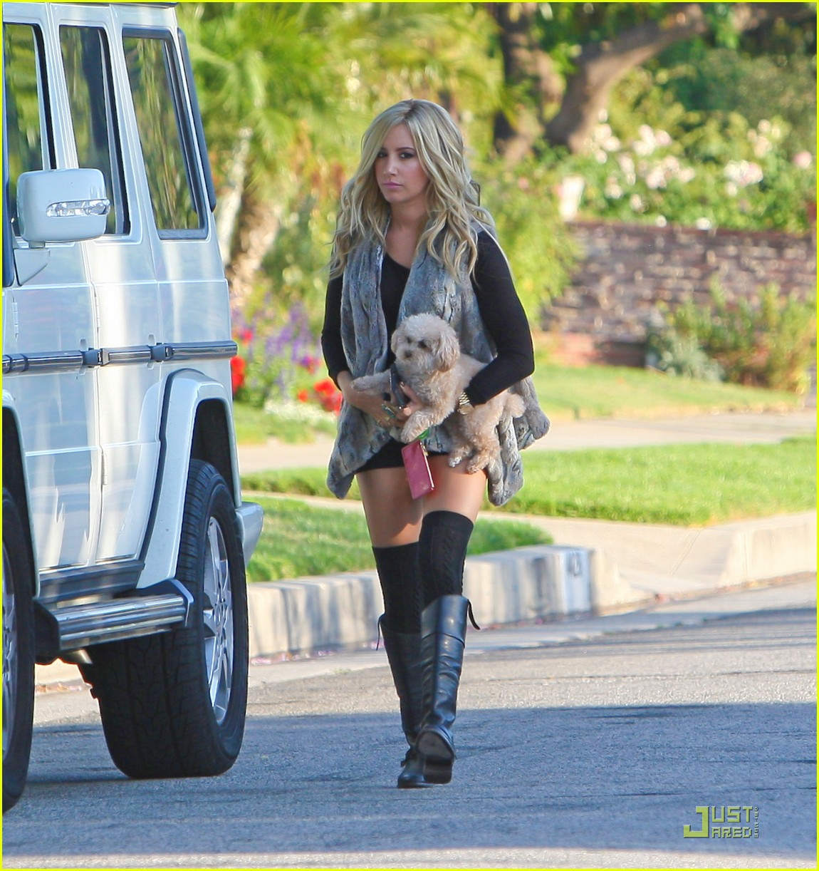 ashley tisdale maui leaving house 06