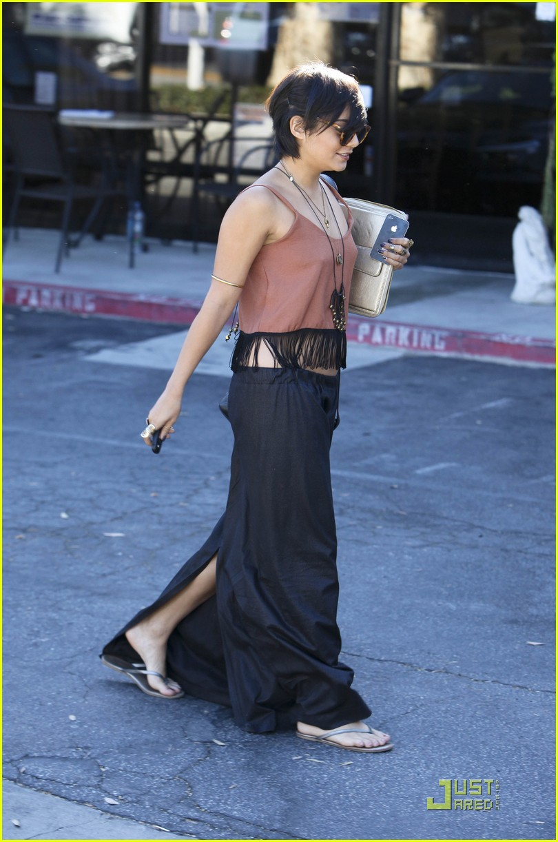 vanessa hudgens laura new lunch 23