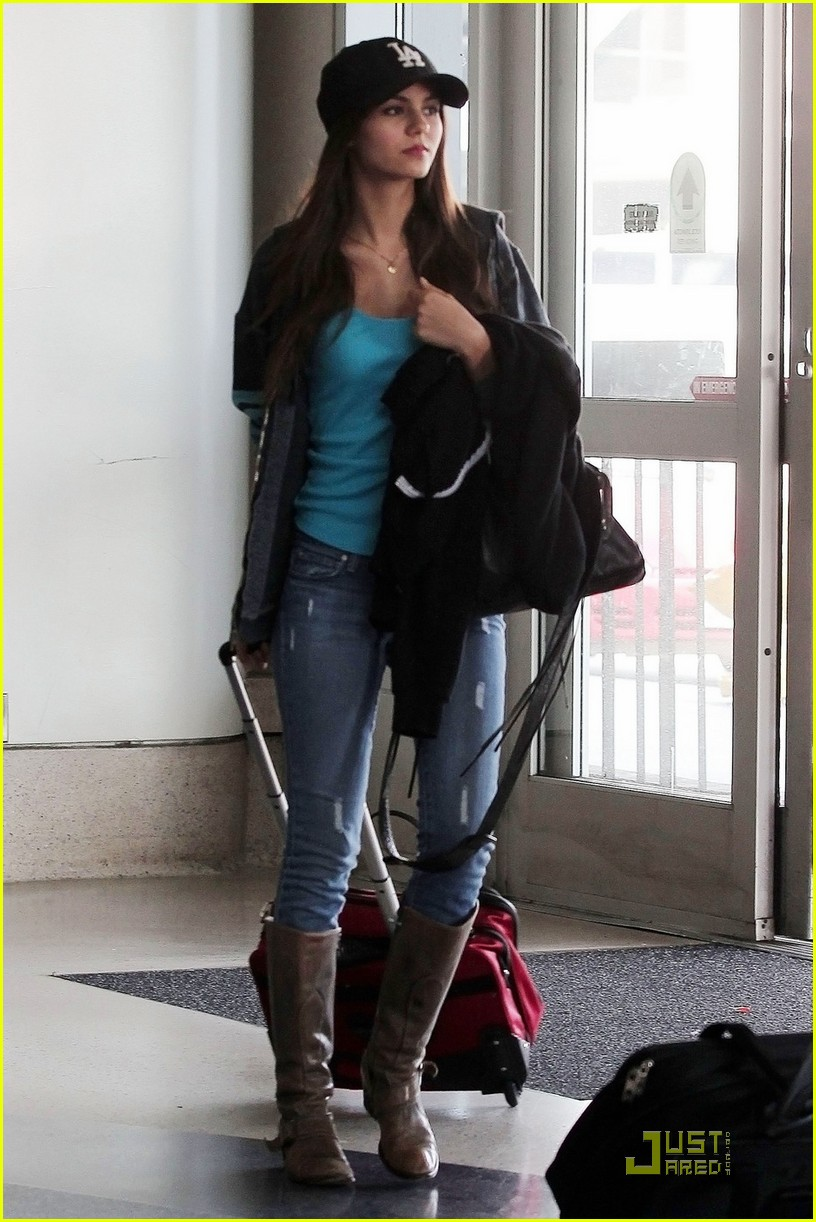 victoria justice home hollywood 07