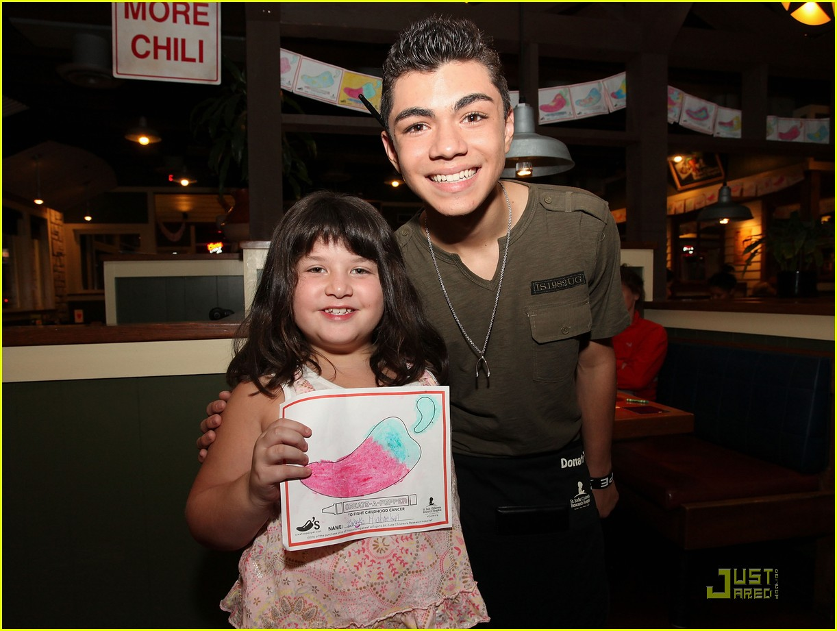 adam irigoyen chilis server 10