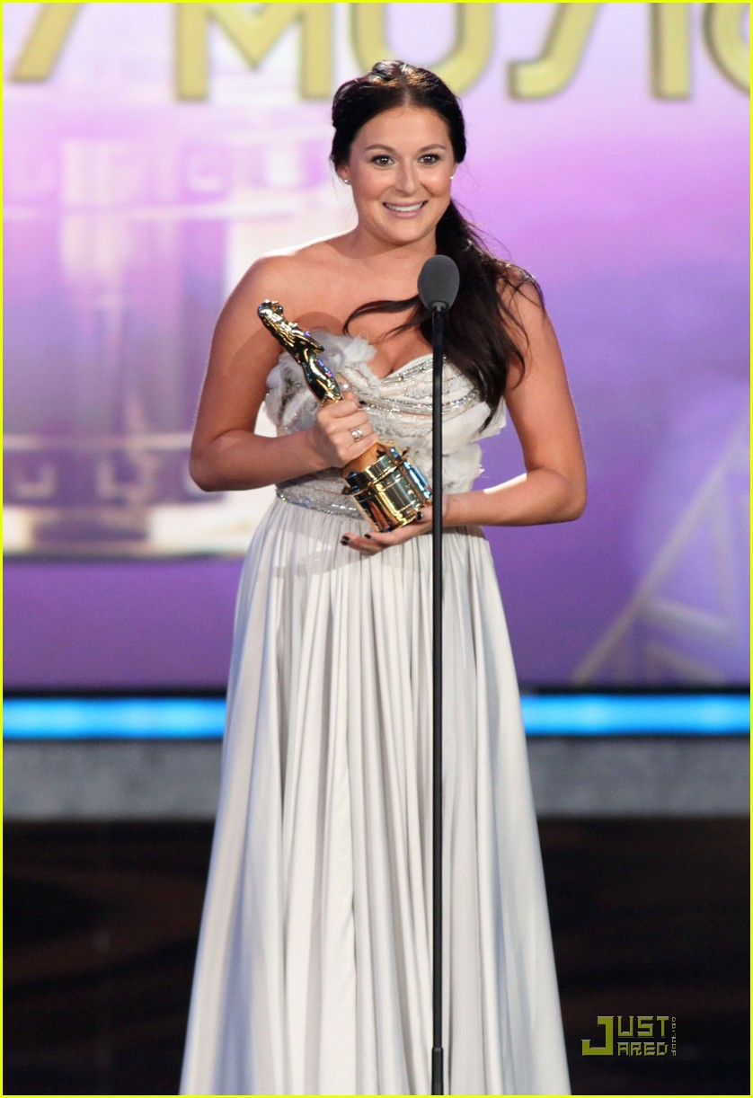 alexa vega alma awards 08
