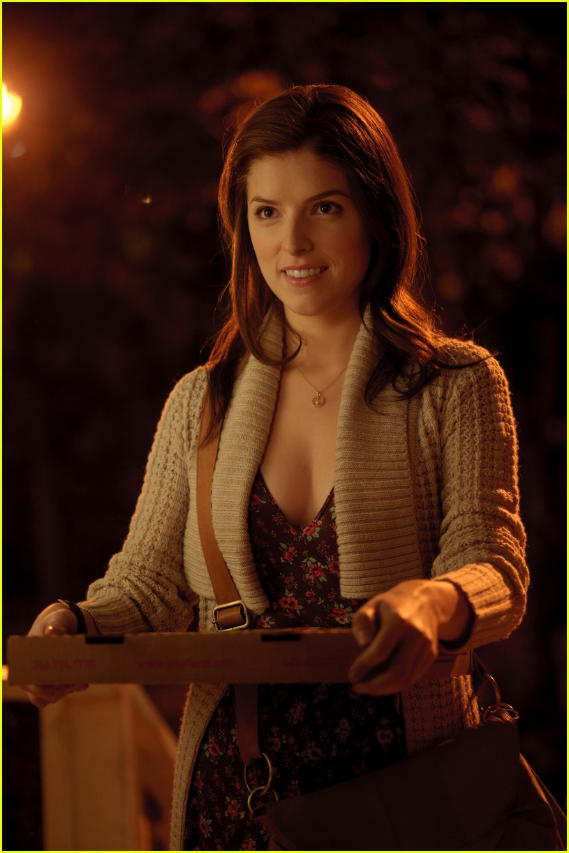 anna kendrick 5050 stills 03