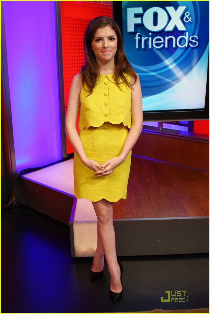 anna kendrick 5050 fox friends 02