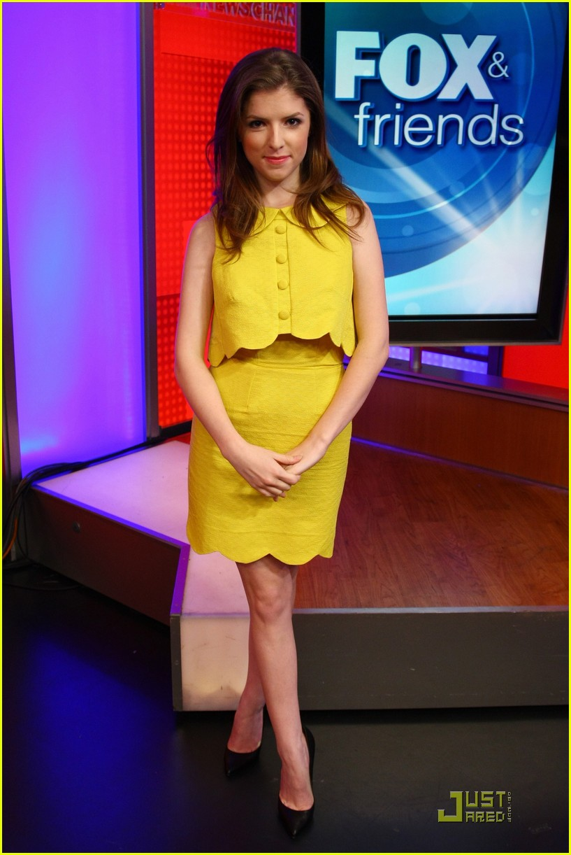 anna kendrick 5050 fox friends 10
