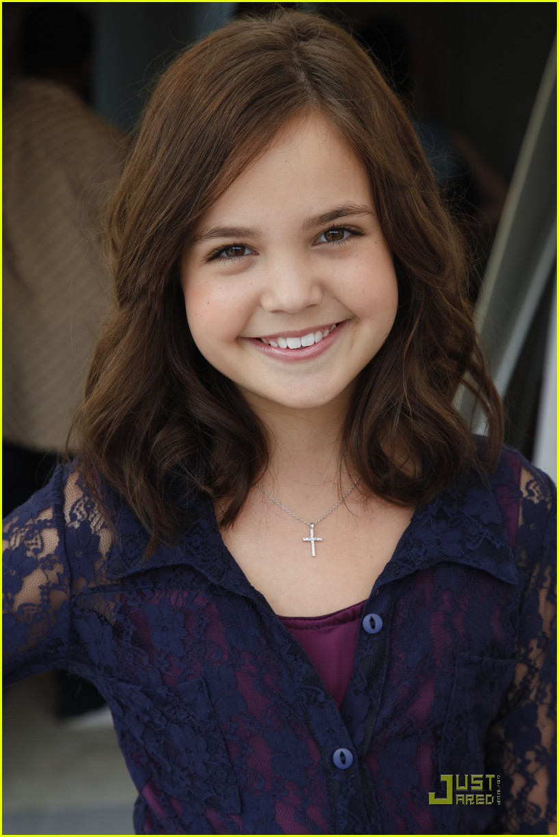 bailee madison poy women luncheon 12