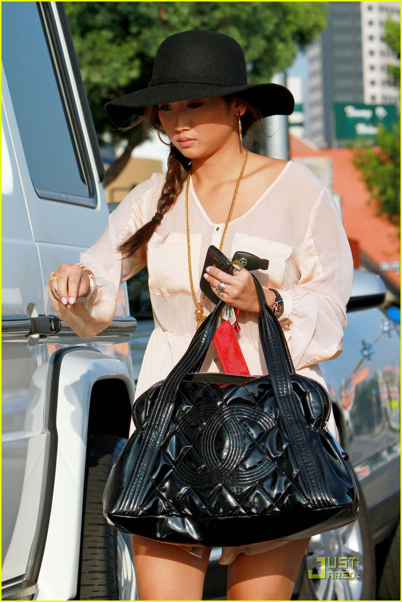 brenda song errands sat 03