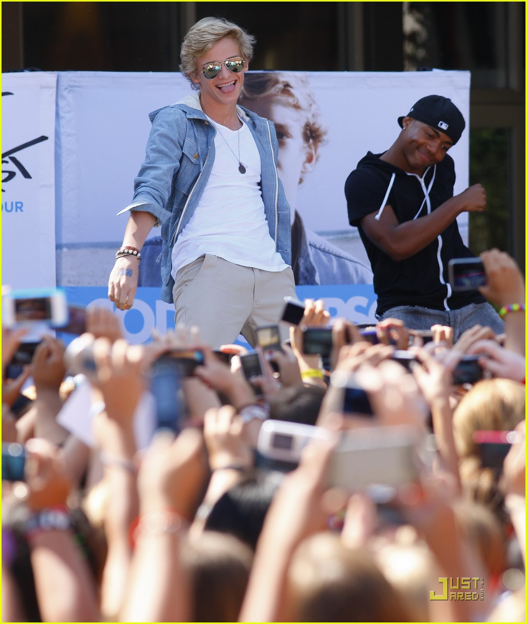 cody simpson orange concert 07