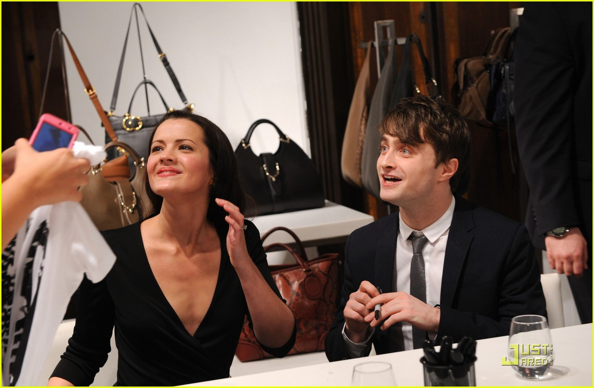 daniel radcliffe fno carols 12