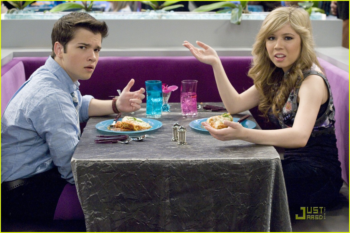 Who Is Sam From Icarly Dating In Real Life