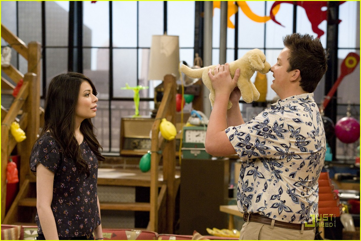 is sam and freddie dating Icarly episode guide edit classic editor though he eventually allows them to resume dating meanwhile, sam pays freddie $50 to make a website and has a.
