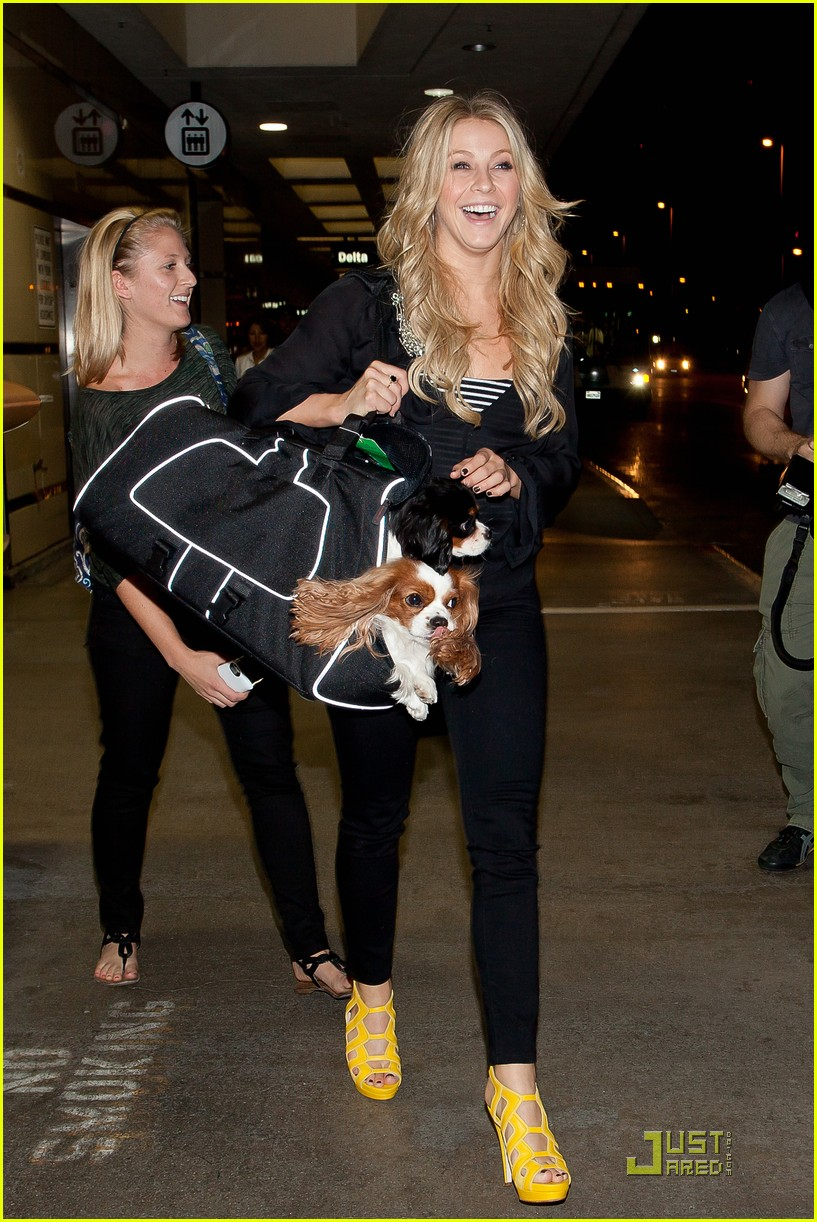julianne hough lax pups 05