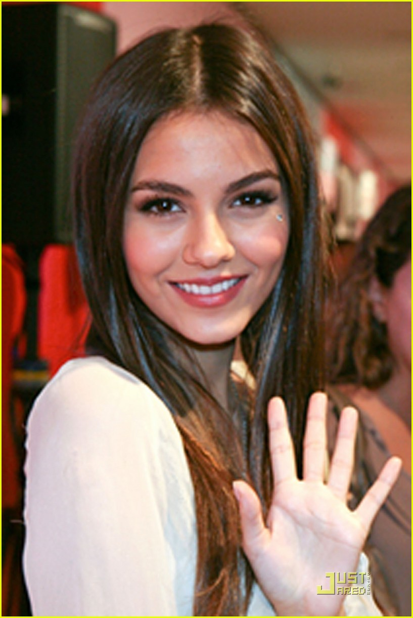 Victoria justice teen vogue hot girls wallpaper for Haute justice
