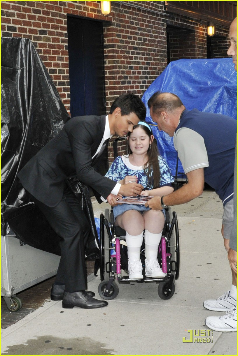 taylor lautner letterman today 01