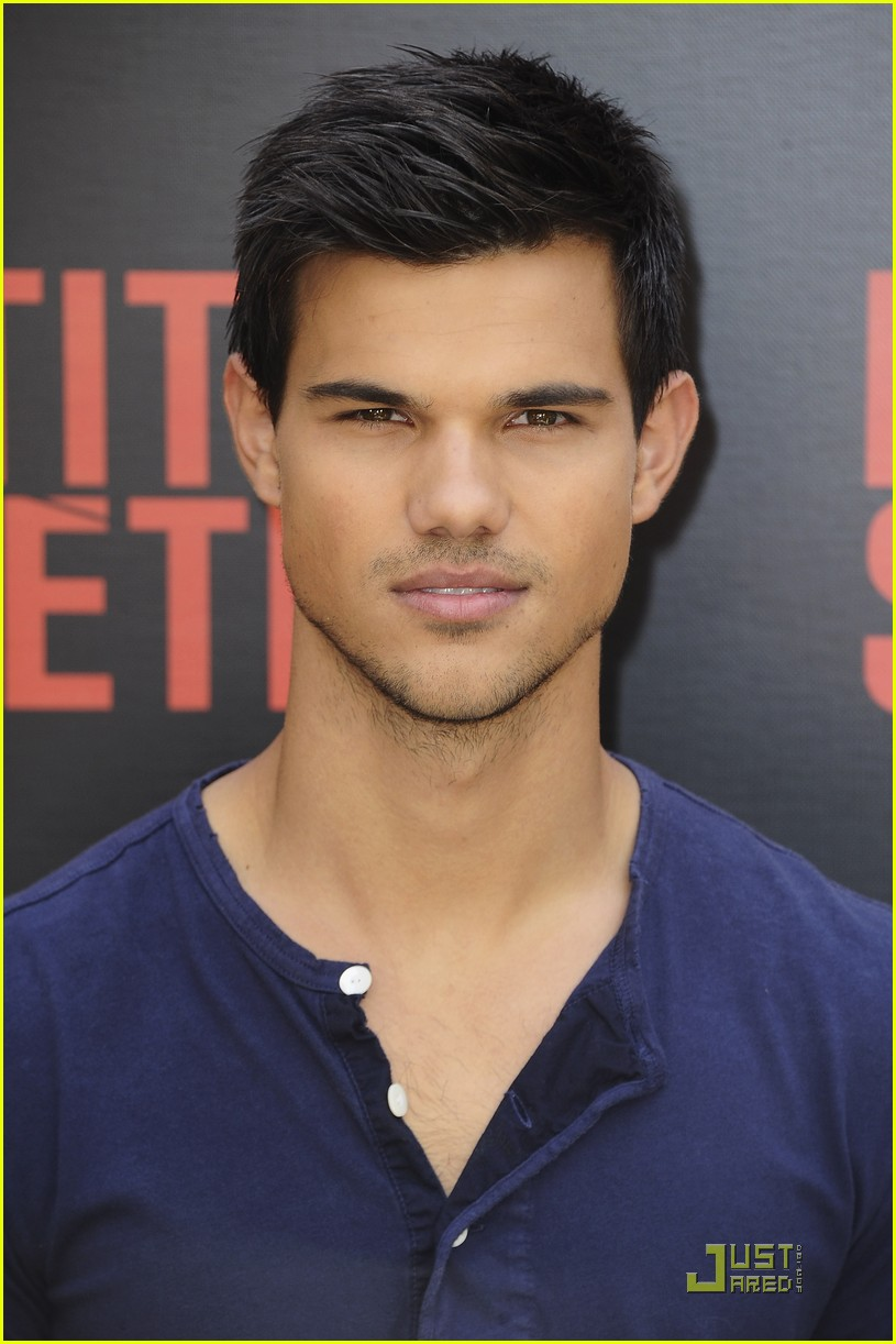 taylor lautner paris abduction 03