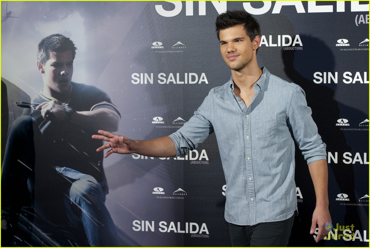 taylor lautner abduction spain 05