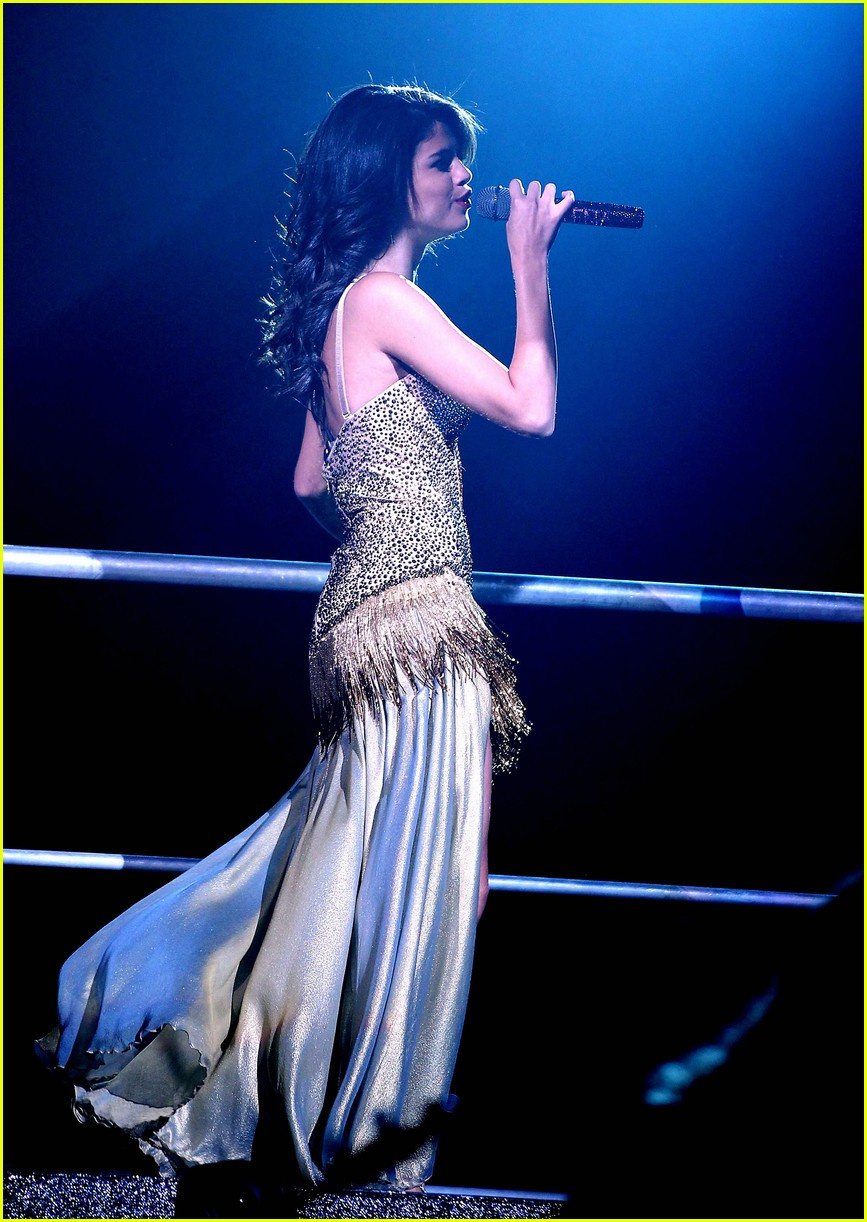 selena gomez mandalay music 05
