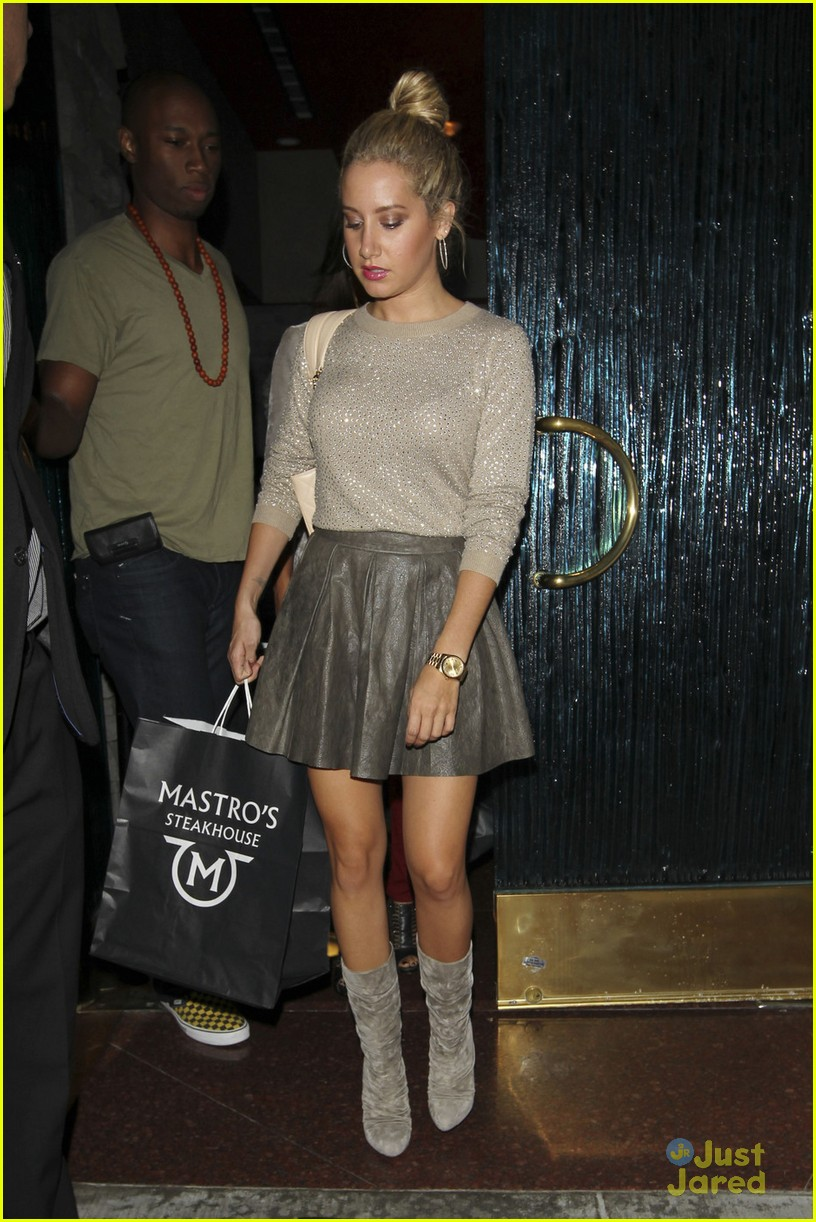 ashley tisdale maestros dinner 02