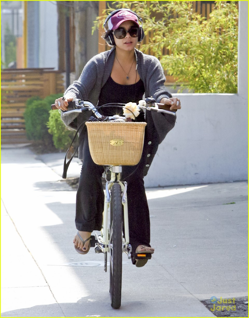 vanessa hudgens cycle workout 10