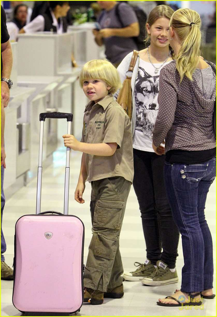 bindi irwin sydney airport 02