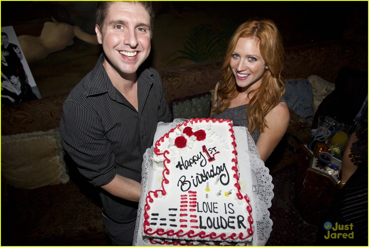 brittany snow love louder party 01