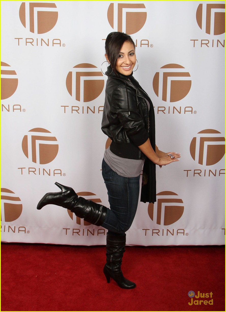 francia raisa gifting services 17