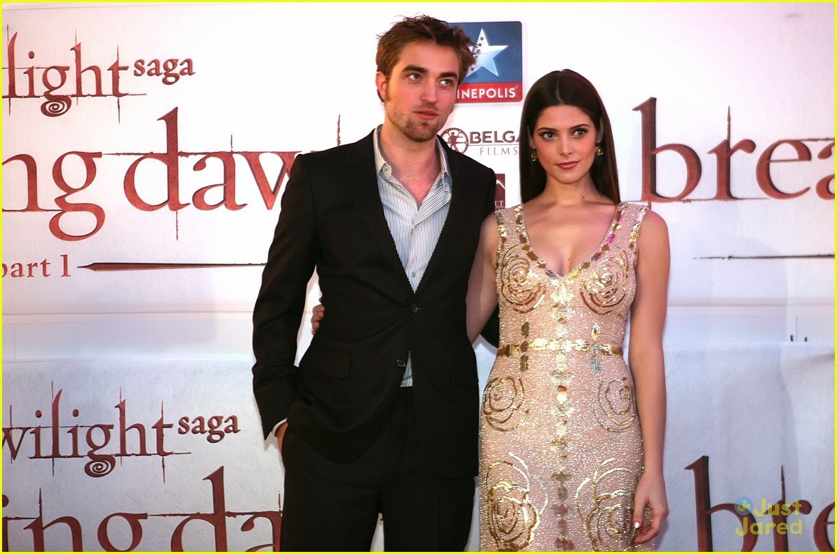 ashley greene rob pattinson brussels 08