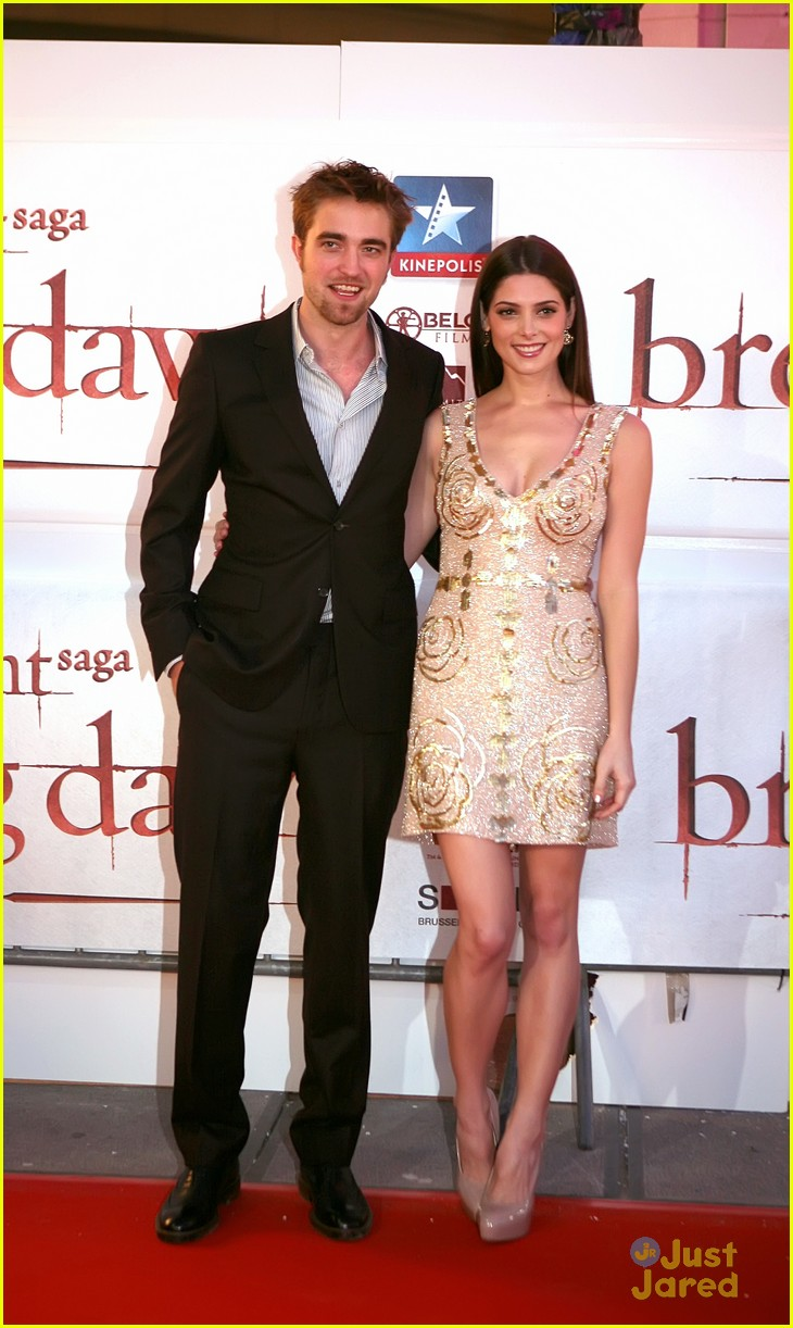 ashley greene rob pattinson brussels 11
