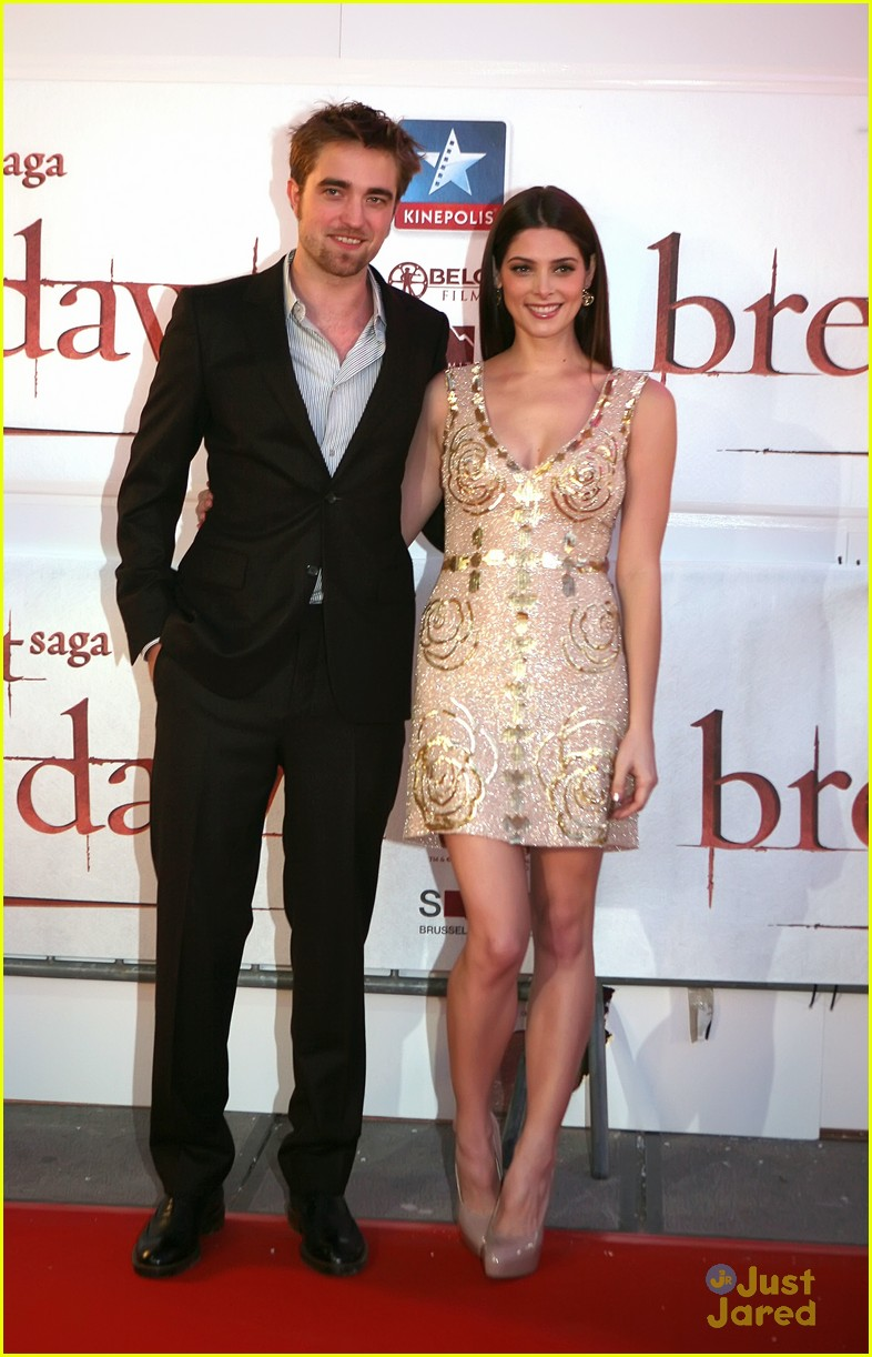 ashley greene rob pattinson brussels 13