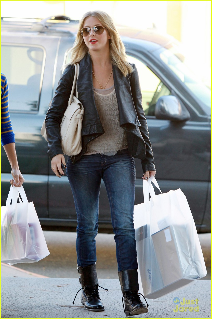 julianne hough shopping shoes 07
