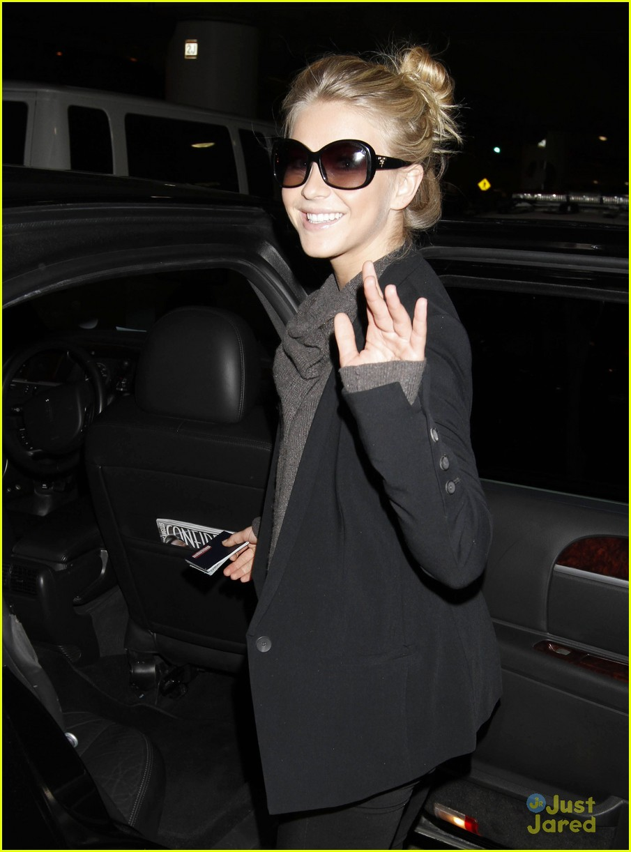 julianne hough london lax 02
