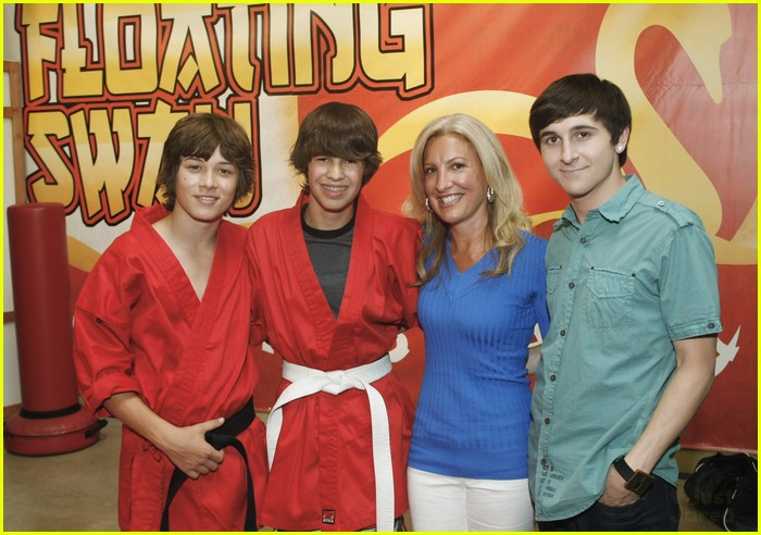 tiffany thornton leo howard prankstars 05