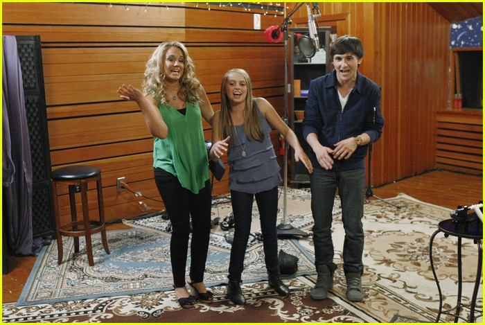 tiffany thornton leo howard prankstars 06