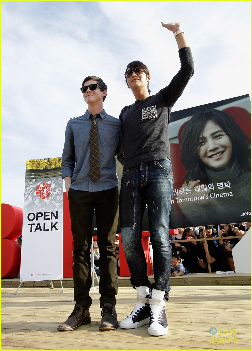 logan lerman buson festival 03