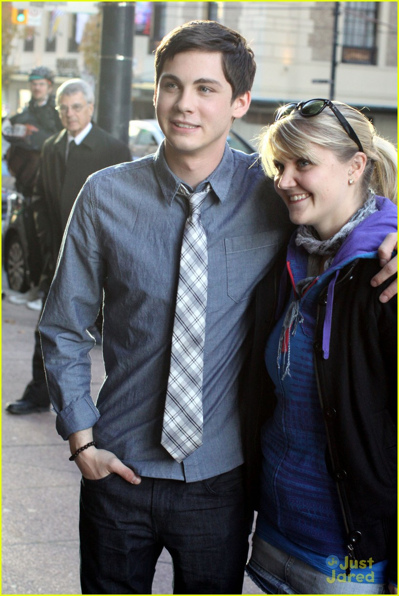 logan lerman training 03