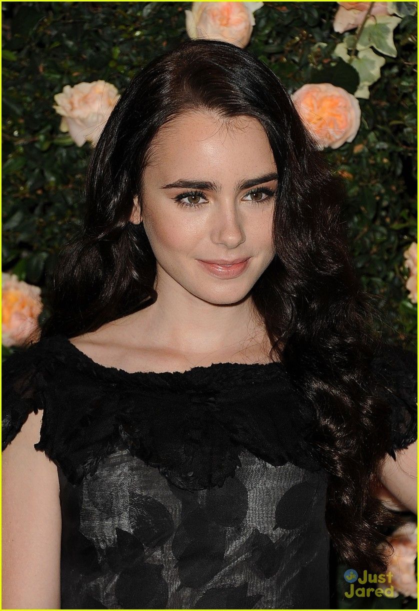 lily collins english teacher 09