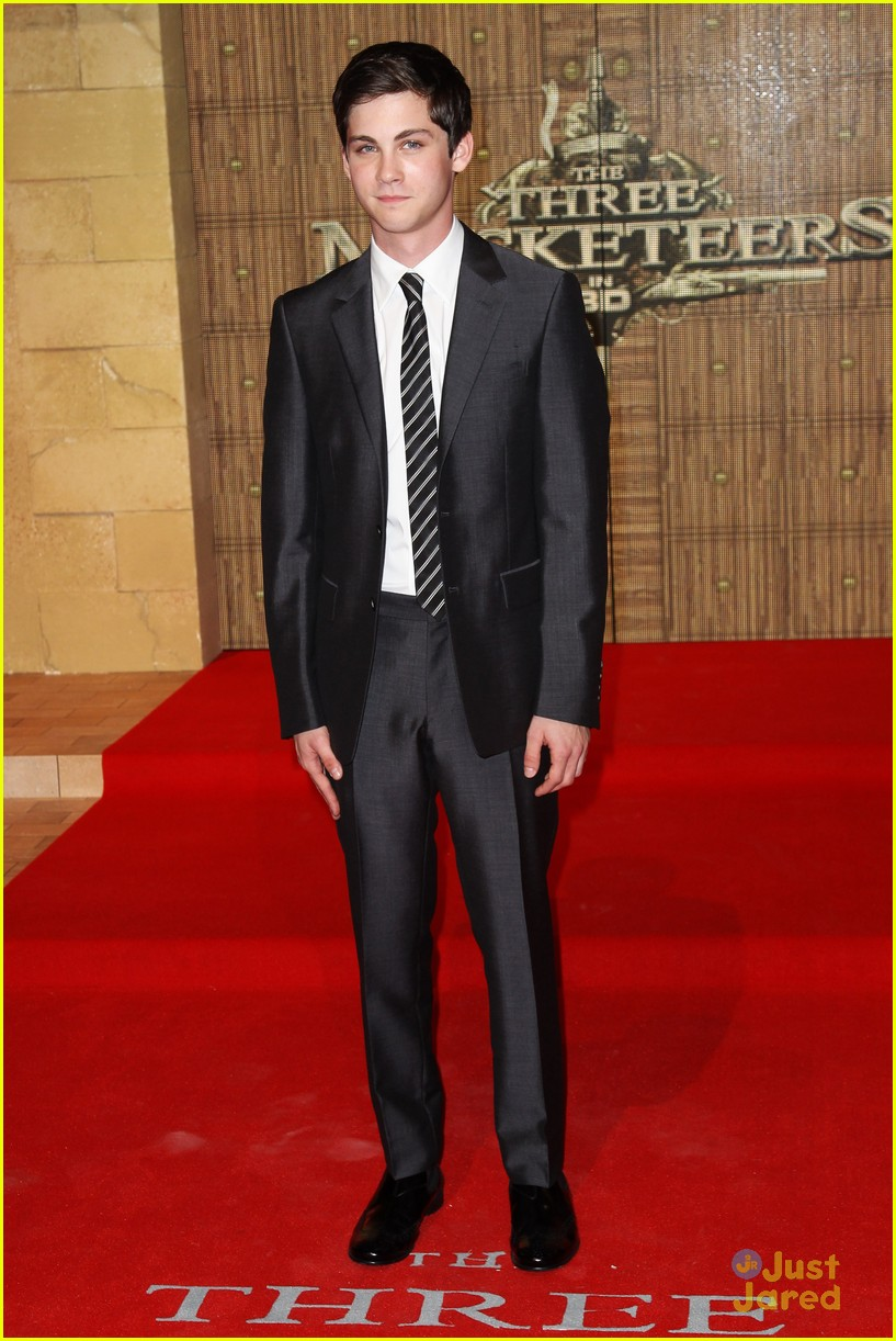 logan lerman three premiere 04