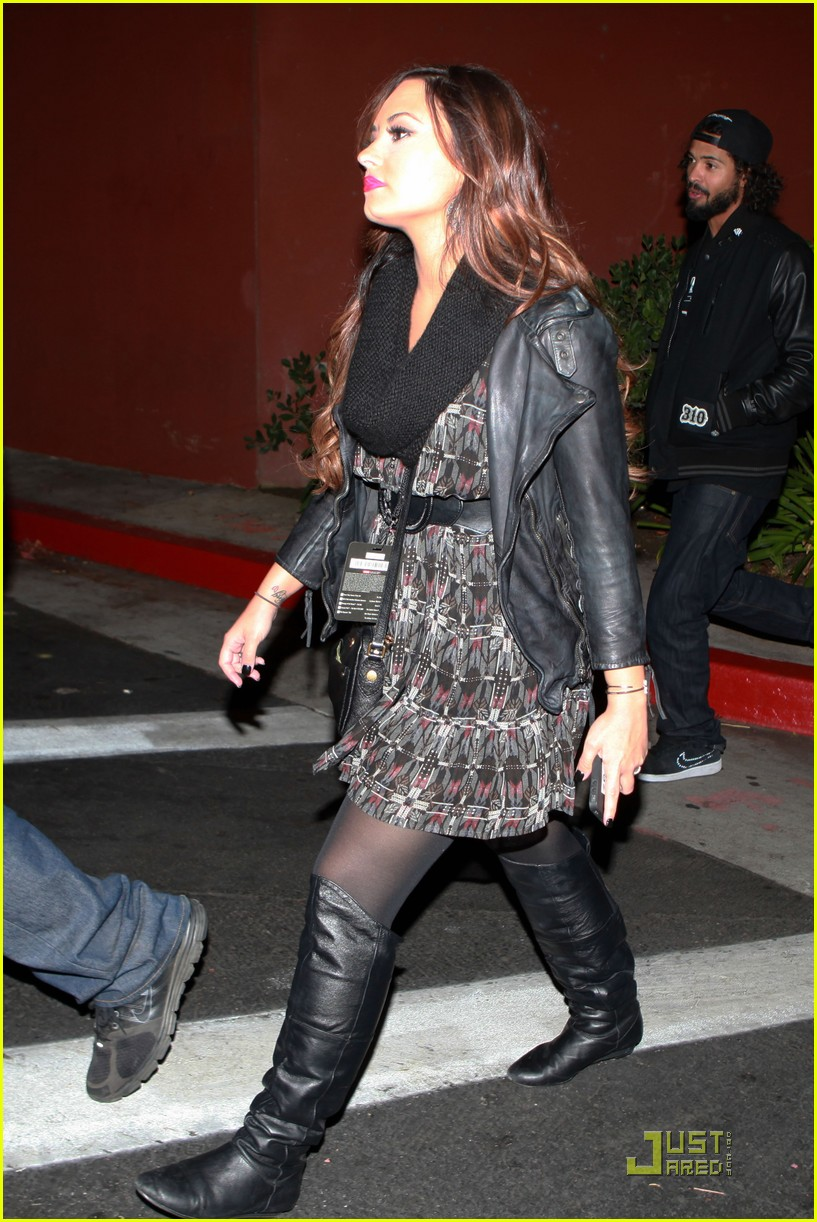 demi lovato halloween horror nights 05