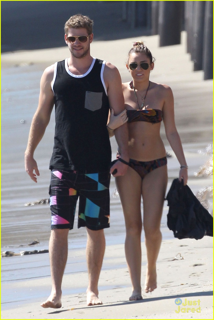 miley cyrus liam hemsworth malibu 03