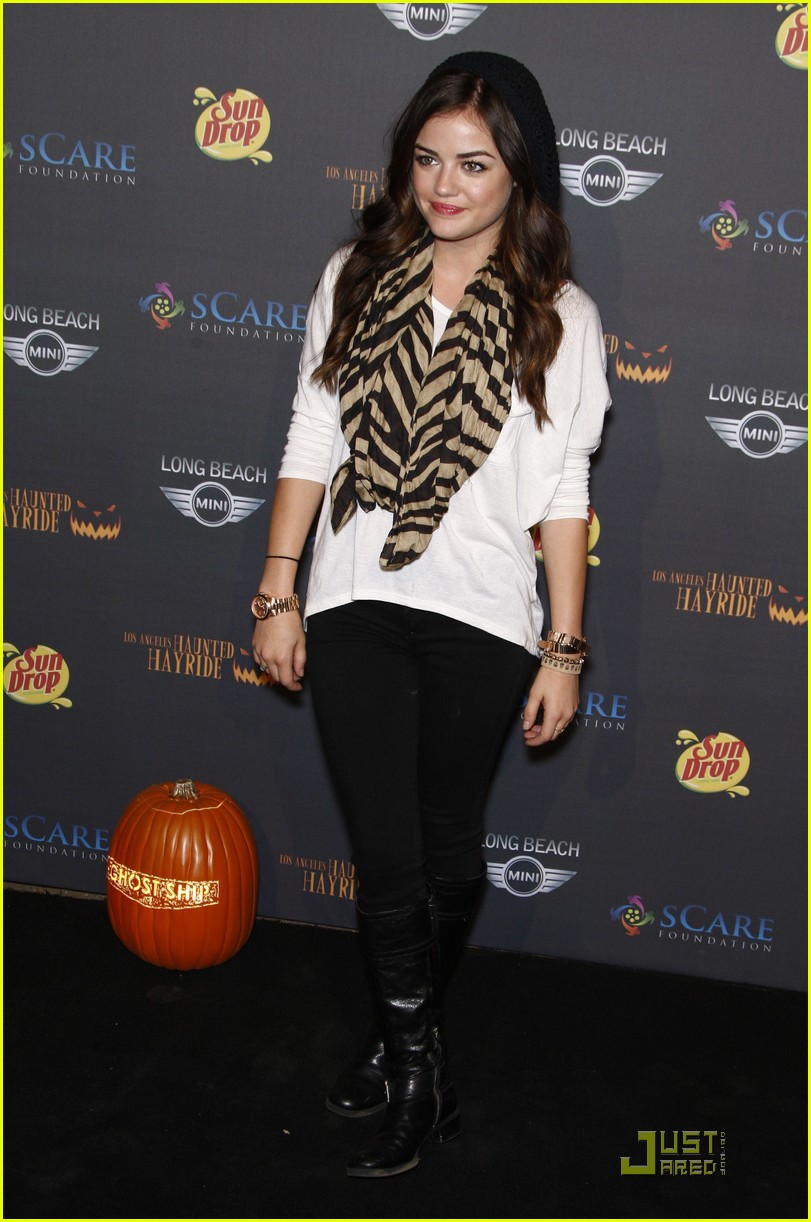 pll halloween hayride 10