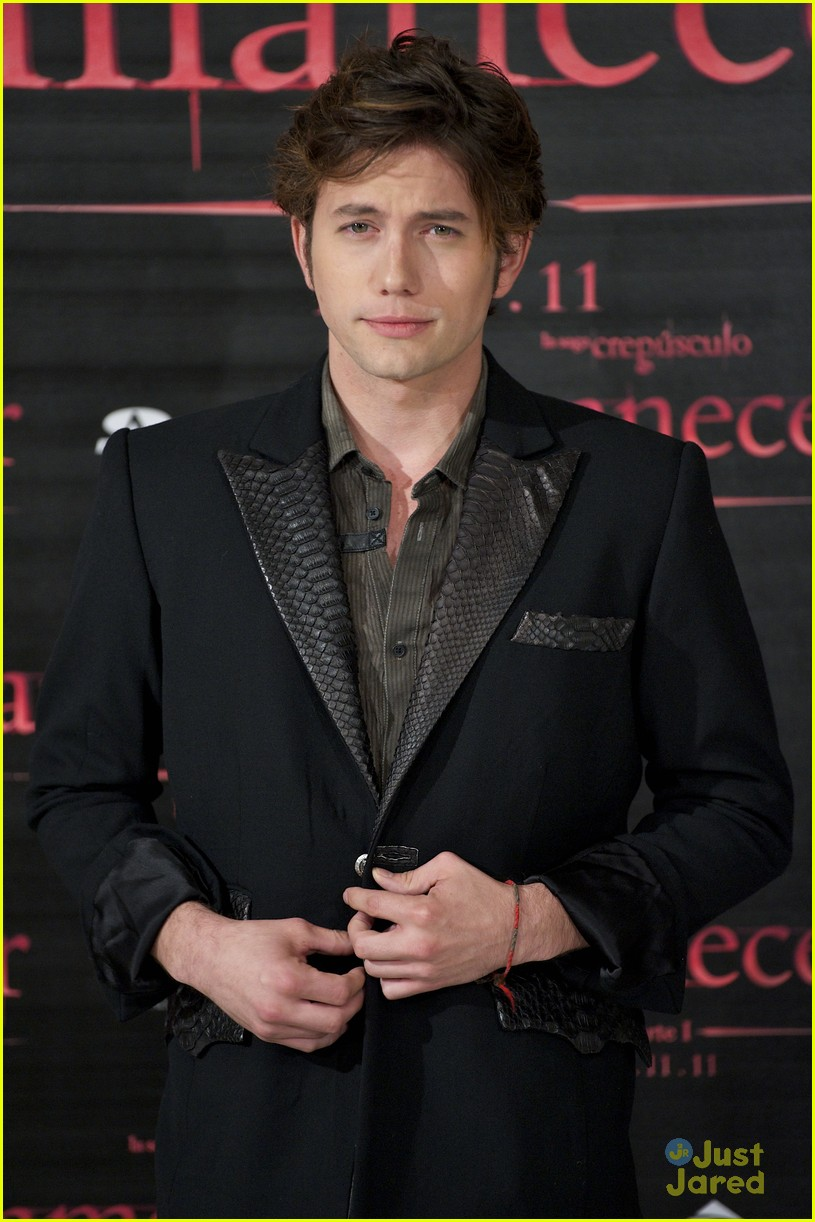 nikki reed jackson rathbone madrid 16