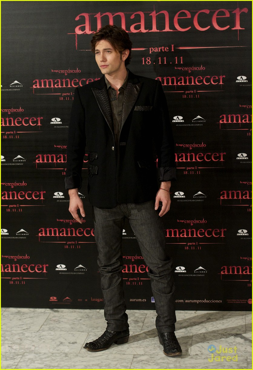 nikki reed jackson rathbone madrid 22