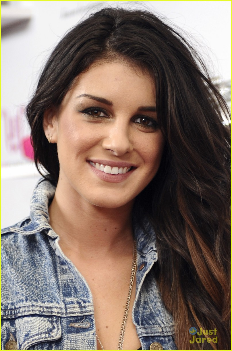 shenae grimes just fabulous 05