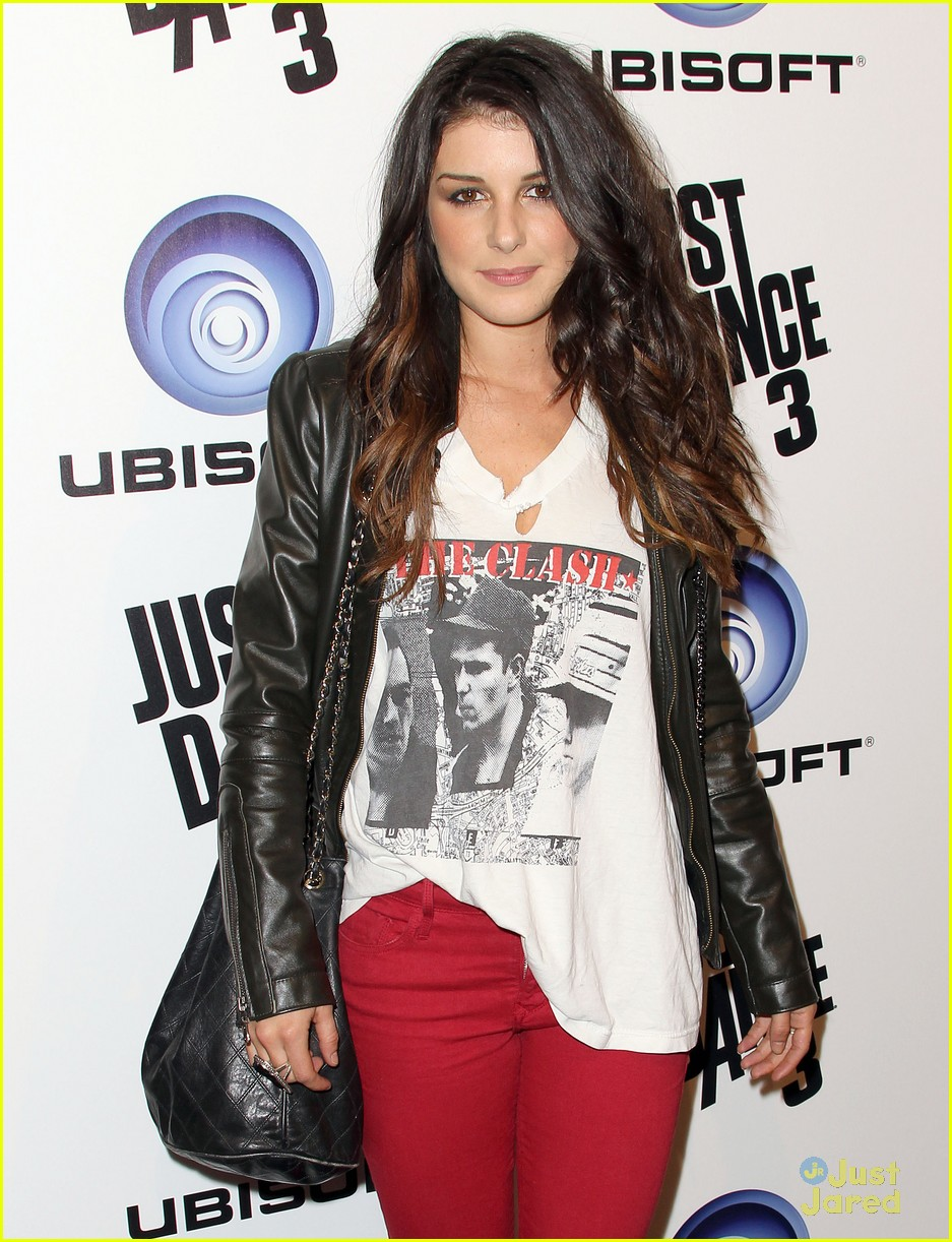 shenae grimes just dance 04