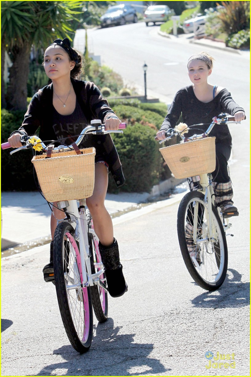 stella hudgens sammi hanratty bike 04